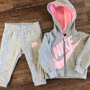 New NIKE baby girl sweatsuit size 12 months